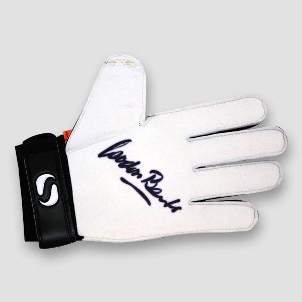 1996-World-Cup-Winner-Gordon-Banks-Signed-Sondico-Goalkeeper-Glove-sign