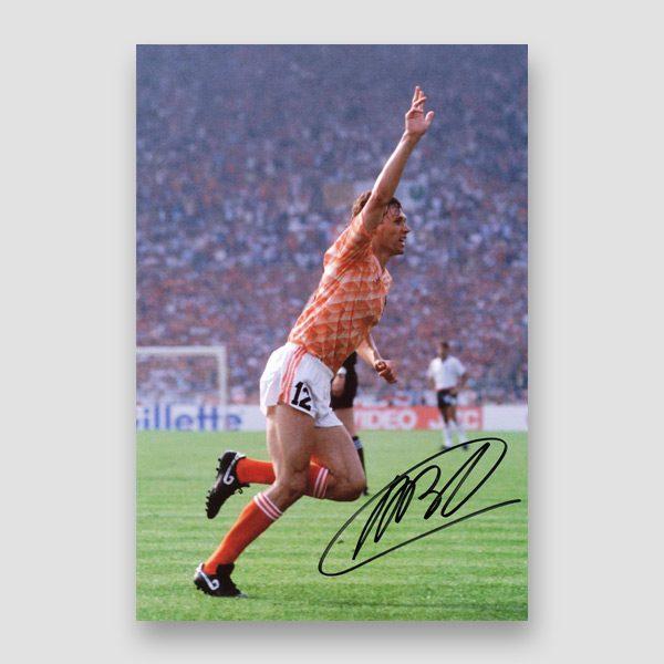 19-Marco-Van-Basten-signed-photo