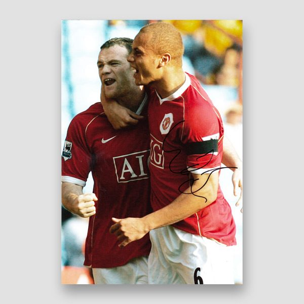 27-Wes-Brown-signed-Manchester-Utd–photo